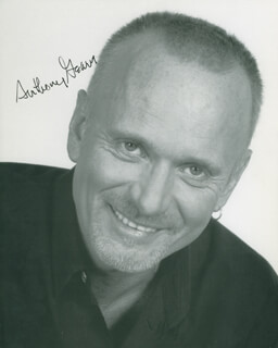 ANTHONY GEARY - AUTOGRAPHED SIGNED PHOTOGRAPH