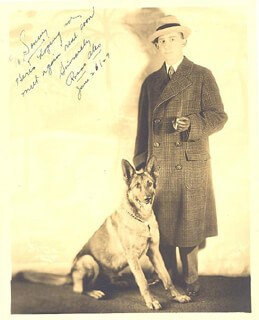 Autographs: ROSCOE ATES - INSCRIBED PHOTOGRAPH SIGNED 06/26/1929