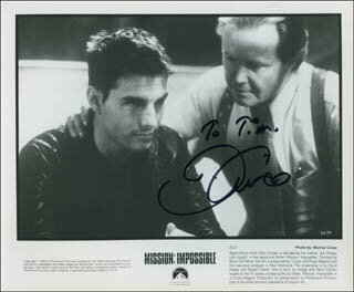 TOM CRUISE - AUTOGRAPHED INSCRIBED PHOTOGRAPH