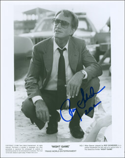 ROY SCHEIDER - AUTOGRAPHED SIGNED PHOTOGRAPH