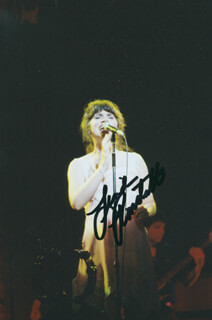 LINDA RONSTADT - AUTOGRAPHED SIGNED PHOTOGRAPH