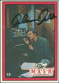 Autographs: ALAN ALDA - TRADING/SPORTS CARD SIGNED