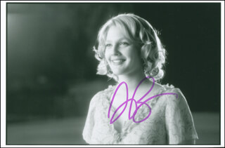 DREW BARRYMORE - AUTOGRAPHED SIGNED PHOTOGRAPH