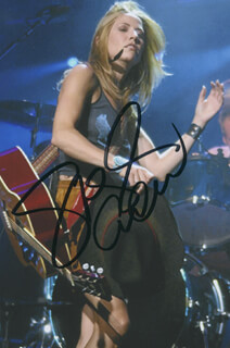 SHERYL CROW - AUTOGRAPHED SIGNED PHOTOGRAPH