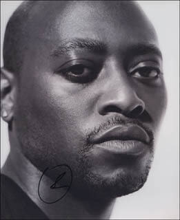 OMAR EPPS - AUTOGRAPHED SIGNED PHOTOGRAPH