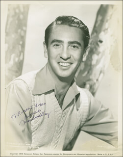 MACDONALD CAREY - AUTOGRAPHED INSCRIBED PHOTOGRAPH