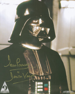 DAVE PROWSE - AUTOGRAPHED SIGNED PHOTOGRAPH
