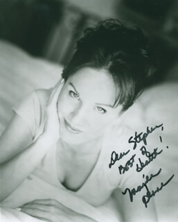MARILU HENNER - AUTOGRAPHED INSCRIBED PHOTOGRAPH