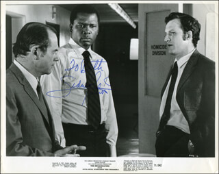 SIDNEY POITIER - AUTOGRAPHED INSCRIBED PHOTOGRAPH