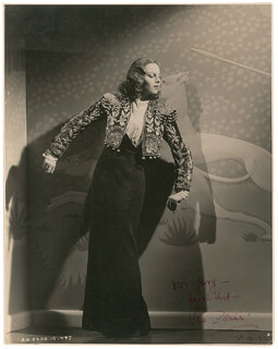 VERA ZORINA - AUTOGRAPHED INSCRIBED PHOTOGRAPH 12/18/1937