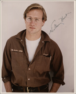 WILLIAM HURT - AUTOGRAPHED SIGNED PHOTOGRAPH
