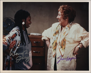 Autographs: BAGDAD CAFE TV CAST - PHOTOGRAPH SIGNED CO-SIGNED BY: WHOOPI GOLDBERG, JEAN STAPLETON