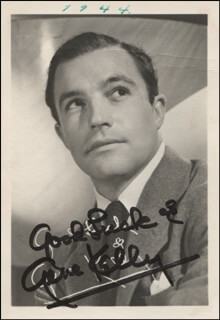 GENE KELLY - PRINTED PHOTOGRAPH SIGNED IN INK