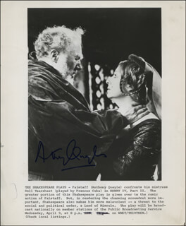 SIR ANTHONY QUAYLE - AUTOGRAPHED SIGNED PHOTOGRAPH
