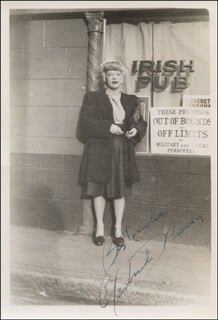 GERTRUDE NIESEN - AUTOGRAPHED SIGNED PHOTOGRAPH