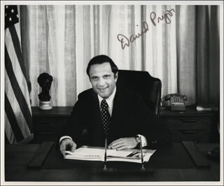 GOVERNOR DAVID PRYOR - AUTOGRAPHED SIGNED PHOTOGRAPH