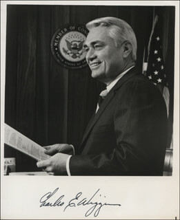 Autographs: CHARLES E. WIGGINS - PHOTOGRAPH SIGNED