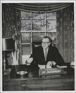 Autographs: EDWARD J. DERWINSKI - INSCRIBED PHOTOGRAPH SIGNED