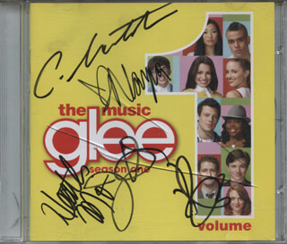GLEE TV CAST - DVD/CD COVER SIGNED CO-SIGNED BY: CORY MONTEITH, HEATHER MORRIS, NAYA RIVERA, KEVIN McHALE, JENNA USHKOWITZ