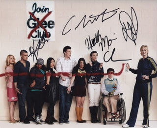 GLEE TV CAST - AUTOGRAPHED SIGNED PHOTOGRAPH CO-SIGNED BY: CORY MONTEITH, HEATHER MORRIS, JENNA USHKOWITZ, AMBER RILEY, CHRIS COLFER