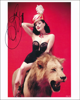 DITA VON TEESE - AUTOGRAPHED SIGNED PHOTOGRAPH