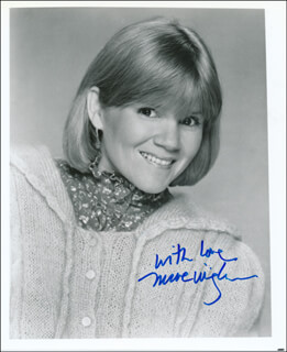 MARE WINNINGHAM - AUTOGRAPHED SIGNED PHOTOGRAPH