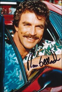 TOM SELLECK - AUTOGRAPHED SIGNED PHOTOGRAPH