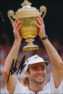 Autographs: ANDRE AGASSI - PHOTOGRAPH SIGNED