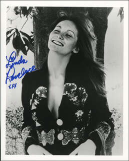 LINDA LOVELACE - AUTOGRAPHED SIGNED PHOTOGRAPH