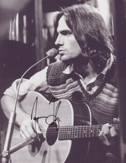 JAMES TAYLOR - AUTOGRAPHED SIGNED PHOTOGRAPH