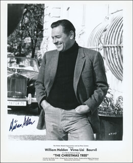 WILLIAM HOLDEN - AUTOGRAPHED SIGNED PHOTOGRAPH