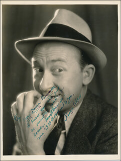 Autographs: ROSCOE ATES - AUTOGRAPH NOTE ON PHOTOGRAPH SIGNED