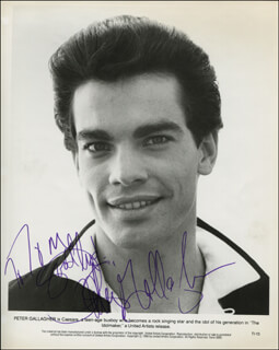 PETER GALLAGHER - AUTOGRAPHED INSCRIBED PHOTOGRAPH