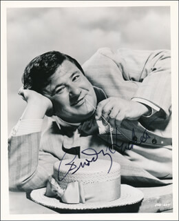 Autographs: BUDDY HACKETT - PHOTOGRAPH SIGNED