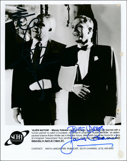 Autographs: ALIEN NATION MOVIE CAST - PHOTOGRAPH SIGNED CO-SIGNED BY: JAMES CAAN, MANDY PATINKIN