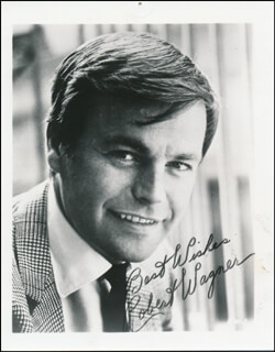 ROBERT J. WAGNER - AUTOGRAPHED SIGNED PHOTOGRAPH