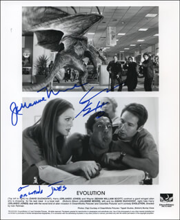 EVOLUTION MOVIE CAST - AUTOGRAPHED SIGNED PHOTOGRAPH CO-SIGNED BY: JULIANNE MOORE, SEANN WILLIAM SCOTT, ORLANDO JONES