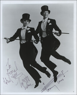 MY ONE AND ONLY PLAY CAST - AUTOGRAPHED SIGNED PHOTOGRAPH CO-SIGNED BY: TWIGGY, TOMMY TUNE