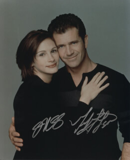 CONSPIRACY THEORY MOVIE CAST - AUTOGRAPHED SIGNED PHOTOGRAPH CO-SIGNED BY: MEL GIBSON, JULIA ROBERTS