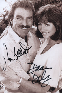 MAGNUM P.I. TV CAST - AUTOGRAPHED SIGNED PHOTOGRAPH CO-SIGNED BY: TOM SELLECK, DANA DELANY