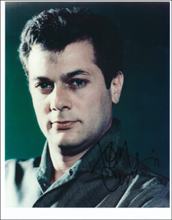 TONY CURTIS - AUTOGRAPHED SIGNED PHOTOGRAPH