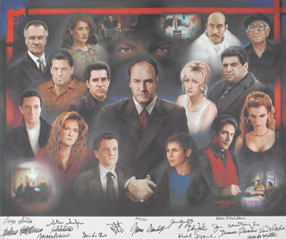 Autographs: THE SOPRANOS TV CAST - PRINTED ART SIGNED IN INK CIRCA 2001 CO-SIGNED BY: LORRAINE BRACCO, JAMES GANDOLFINI, MICHAEL IMPERIOLI, STEVEN VAN ZANDT, TONY SIRICO, VINCENT PASTORE, JAMIE-LYNN SIGLER, EDIE FALCO, ROBERT ILER, DREA DE MATTEO, STEVE SCHIRRIPA, DOMINIC CHIANESE, FEDERICO CASTELLUCCIO, JOHN VENTIMIGLIA, AIDA TURTURRO, KAREN O'NEIL GANCI