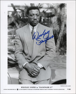 WESLEY SNIPES - AUTOGRAPHED SIGNED PHOTOGRAPH