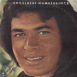 ENGELBERT HUMPERDINCK - RECORD ALBUM COVER SIGNED