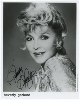 BEVERLY GARLAND - PRINTED PHOTOGRAPH SIGNED IN INK