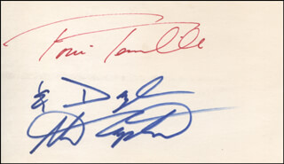 CAPTAIN & TENNILLE - AUTOGRAPH CO-SIGNED BY: CAPTAIN & TENNILLE (DARYL DRAGON), CAPTAIN & TENNILLE (TONI TENNILLE)