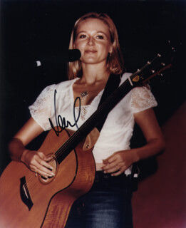 JEWEL - AUTOGRAPHED SIGNED PHOTOGRAPH