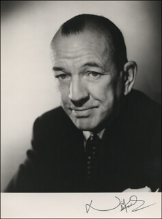 SIR NOEL COWARD - AUTOGRAPHED SIGNED PHOTOGRAPH  - HFSID 325162