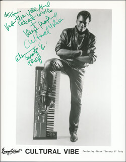 Autographs: GLENN SWEETY G TOBY - INSCRIBED PRINTED PHOTOGRAPH SIGNED IN INK