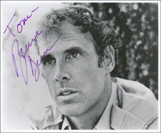 BRUCE DERN - AUTOGRAPHED INSCRIBED PHOTOGRAPH